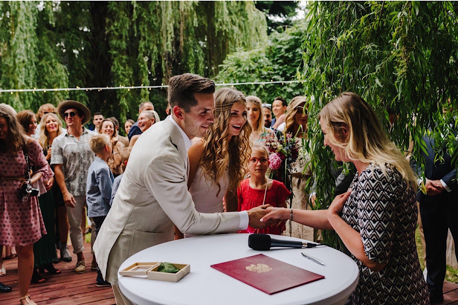 slub w ogrodzie, slub plenerowy, wesele w ogrodzie, wesele w namiocie, wesele w hippisowskim stylu, styl festiwalowy, plenerowy slub, slowwedding, slub plenerowy w ogrodzie, klimatyczny slub, slub w plenerze