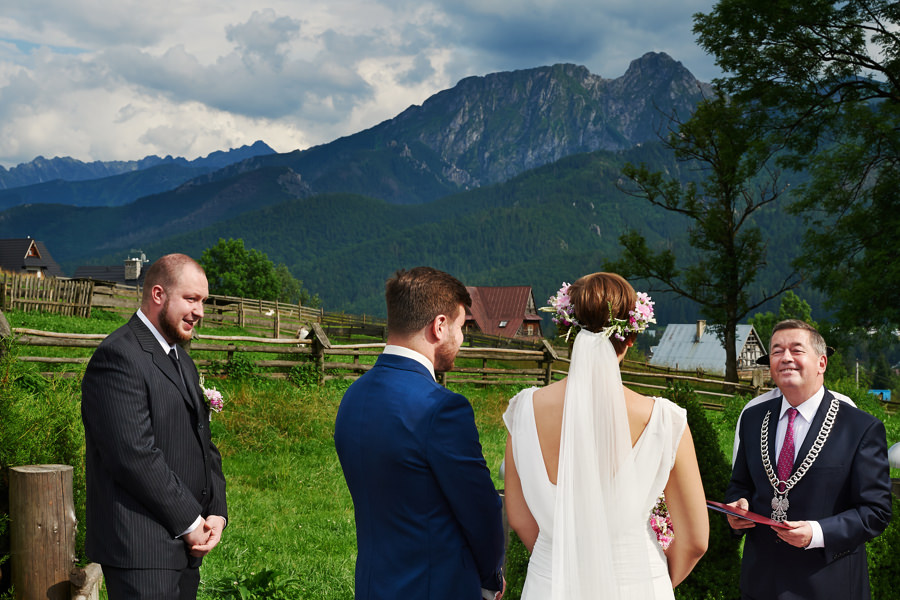 slub w gorach, plenerowy slub w gorach, fotografia slubna zakopane, fotograf slubny zakopane, wesele w gorach, sesja w gorach