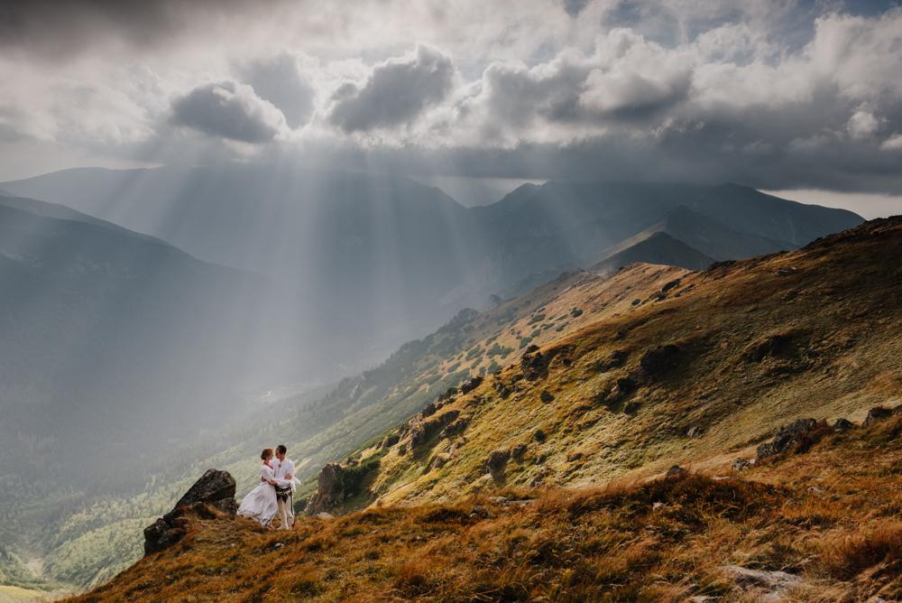 fotografia ślubna zakopane, plener ślubny w tatrach, plener ślubny w górach, fotograf ślubny zakopane, sesja w górach, sesja w tatrach, tatry, tatromaniacy, górale